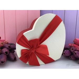 "Коробка в форме сердца ""Red and white"" белая 3 шт."